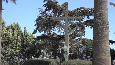 California-Mission-Soledad-Junipero-Serra-Statue-With-Cross