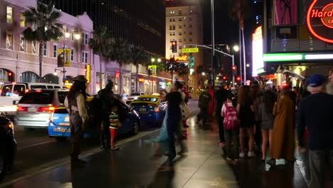 Los-Angeles-Hollywood-Street-Show-At-Night