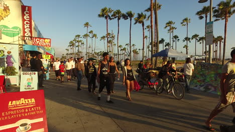 Los-Angeles-Venice-Beach-Boardwalk-Pan-Right