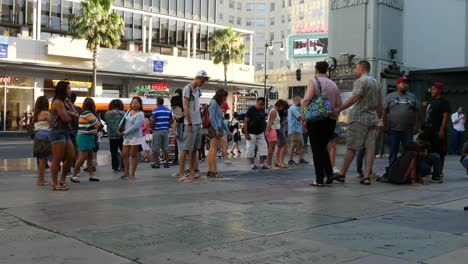 Los-Angeles-Crowds-Gather-Around-The-Hollywood-Walk-Of-Fame