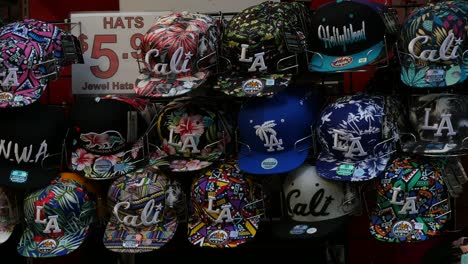 Los-Angeles-Hats-For-Sale-To-Tourists