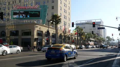 Los-Angeles-Traffic-And-A-Taxi-On-Hollywood-Boulevard