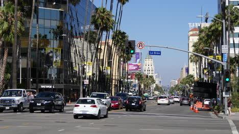 Los-Angeles-Traffic-Turns-On-Hollywood-Boulevard