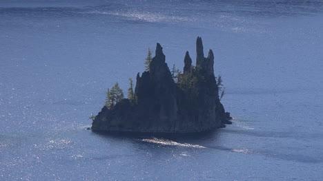 Oregon-Crater-Lake-Phantom-Ship-Rock-In-Sparkling-Water