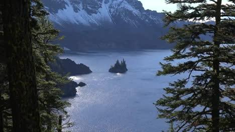 Oregon-Crater-Lake-Phantom-Ship-Rock-Zooms-Out
