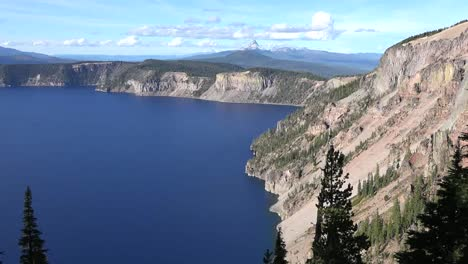 Oregon-Crater-Lake-At-The-Pumice-Castle-Pan-And-Zoom