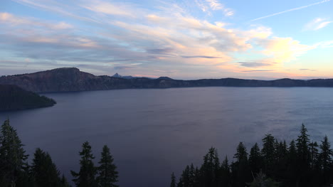 Oregon-Crater-Lake-Clouds-At-Dawn
