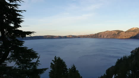 Oregon-Crater-Lake-Dark-Trees-Near-Sunset-Pan