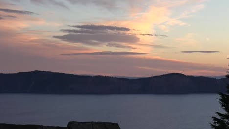 Oregon-Crater-Lake-Dawn-With-Tree-Pan