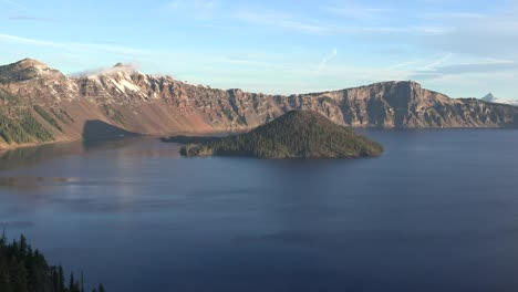 Oregon-Crater-Lake-Early-Morning-Vista