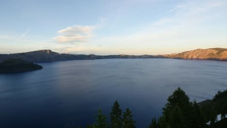 Oregon-Crater-Lake-Evening-Pan