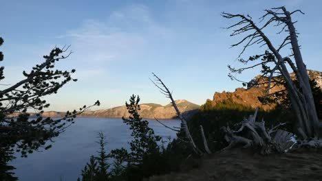 Oregon-Crater-Lake-Evening-Vista-With-Dead-Tree-Pan