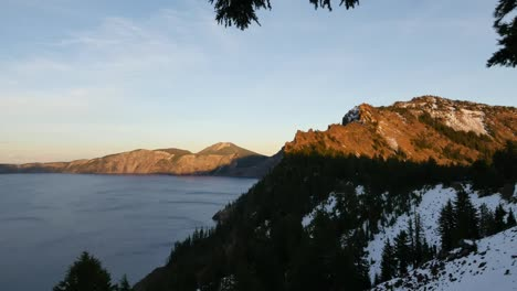 Oregon-Crater-Lake-Light-In-Late-Evening-Zoom