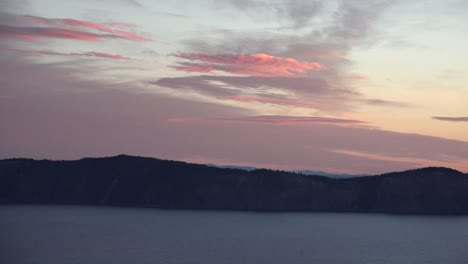 Oregon-Crater-Lake-Sunrise-Cloud