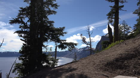 Oregon-Crater-Lake-View-To-The-West-With-Trees