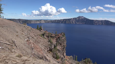 Oregon-Crater-Lake-View-With-People-And-Clouds-Time-Lapse