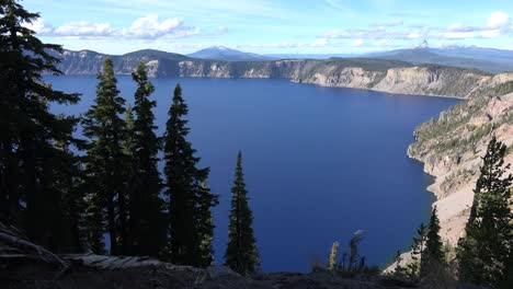 Oregon-Crater-Lake-Vista-With-Trees