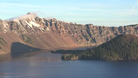 Oregon-Crater-Lake-With-A-Morning-View-Of-Wizard-Island-Pan