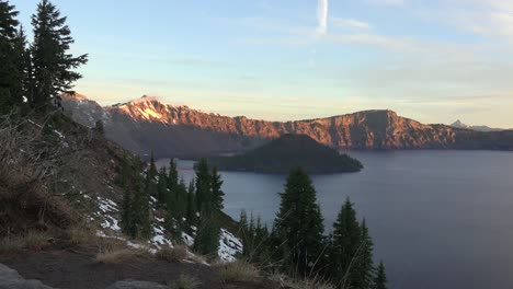 Oregon-Crater-Lake-With-Sun-On-Far-Rim