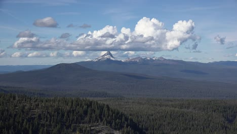 Oregon-Mount-Thielsen-With-Cloud-Time-Lapse