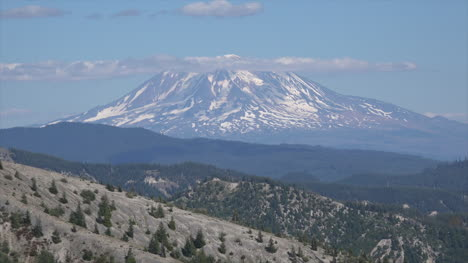 Washington-Mount-Adams-Zooms-Out