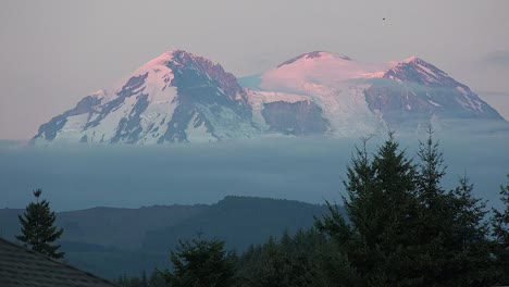 Washington-Mount-St-Helens-Evening-View