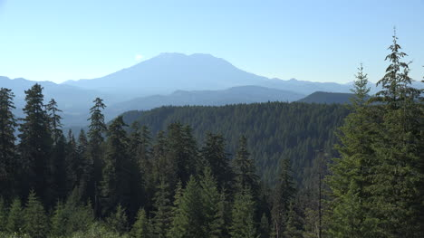 Washington-Mount-St-Helens-With-Evergreens