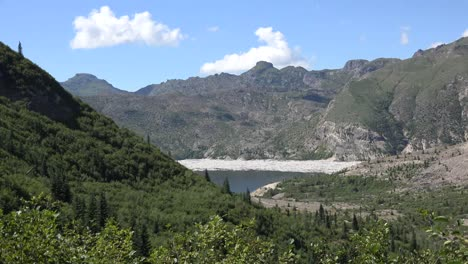 Washington-Spirit-Lake-In-Distance