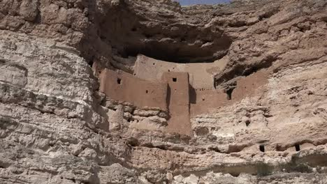 Arizona-Montezuma-Castle-Cliff-Dwelling-Zoom-In