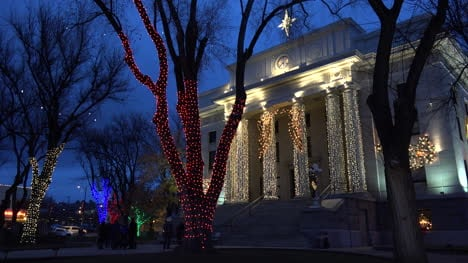 Arizona-Prescott-Courthouse-And-Trees-With-Lights