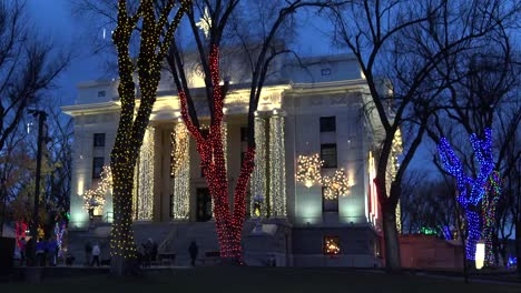 Arizona-Prescott-Courthouse-Framed-With-Christmas-Lights-Pan-Left