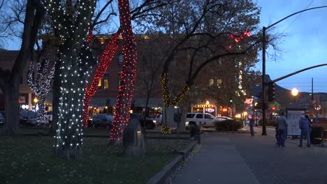Arizona-Prescott-Sidewalk-At-Christmas