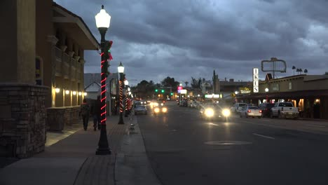 Arizona-Wickenburg-Main-Street-Christmas-Evening-With-People