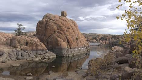 Arizona-Yellow-Leaves-Frame-View-Of-Watson-Lake-Zoom-In