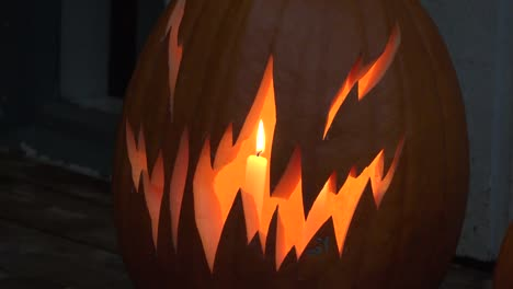 Halloween-Candle-In-Scary-Pumpkin