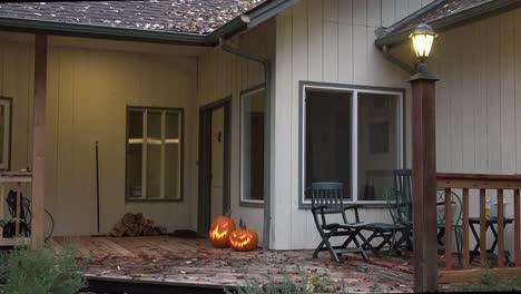 Halloween-Pumpkins-By-A-Door