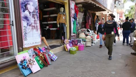 Mexico-Arandas-People-On-Street-With-Christmas-Gifts