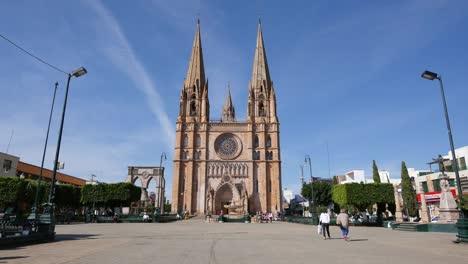 Mexico-Arandas-Plaza-By-Large-Church