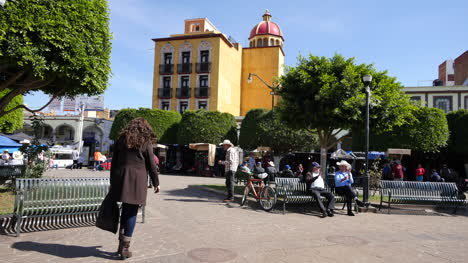Mexico-Arandas-Plaza-With-Woman