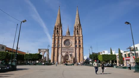 Mexico-Large-Church-And-Plaza-In-Arandas