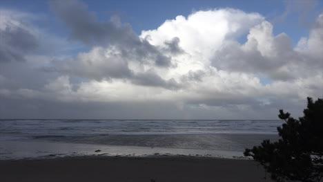 Oregon-Cumulous-Cloud-Over-Cannon-Beach