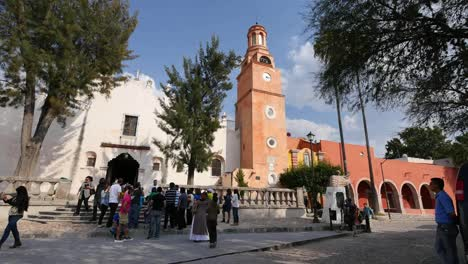Mexico-Atotonilco-Church-Tower-And-Tour-Group