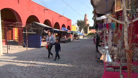 Mexico-Atotonilco-Street-With-Stands