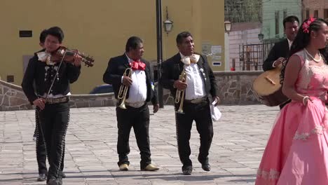 Mexico-Dolores-Hidalgo-Mariachis-Walking-Zoom-Out