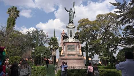 Mexico-Dolores-Hidalgo-Plaza-With-Father-Hildago-Statue