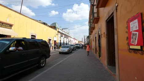 Mexico-Dolores-Hidalgo-Street-With-Little-Girl