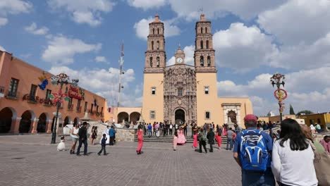 Mexico-Dolores-Hidalgo-Tourist-Group-Poses-In-Front-Of-Church