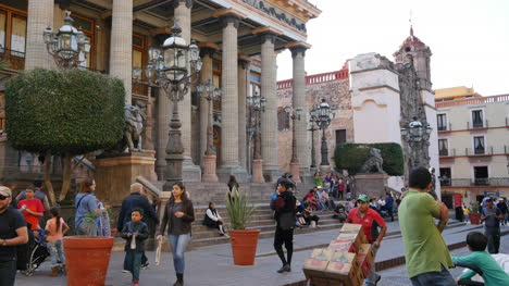Mexico-Guanajuato-Building-With-Columns