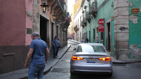Mexico-Guanajuato-Cars-And-Narrow-Street