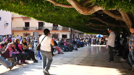 Mexico-Guanajuato-Crowd-And-People-Walk-By